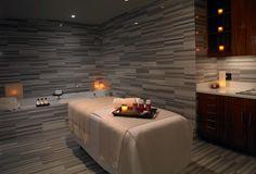 Spa Wet Room - Trump Hotel Las Vegas distribucion elementos(jacuzzi, camilla, velas mueble