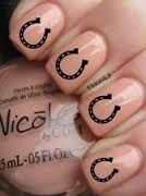 Classy horseshoe nail art idea!