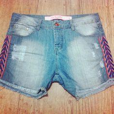 """Jeans + Bordado étnico =  tamanho """"G"""" #pechinchadodia #pechincha #gtips #garimperia #brechó #online #comprinhas #jeans #etnico #boho #style #lookdodia #inpiração"""