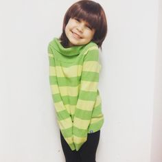 """""""my sister as chara! For the next cosplay event Im going as papyrus and for the first time I will bring my little sister as frisk (we only had chara…"""" Undertale Cosplay, Undertale Au, Movie Character Costumes, Movie Characters, Best Cosplay, Awesome Cosplay, Anime Cosplay, Toby Fox, Workout Shirts"""