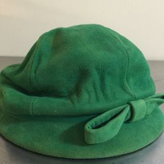 Vintage Ladies Hat  Green Suede  Cloche Style by PineStreetPickers