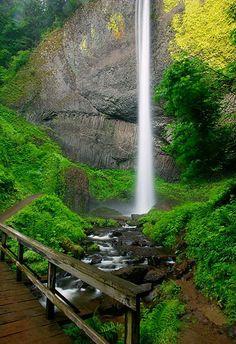 Cascadas Latourelle en el Río Columbia, Oregon, USA.