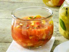 Tomaten-Zucchini-Chutney - Another! Tomate Zucchini, Zucchini Salsa, Zucchini Curry, Cooking Sauces, Vegan Sauces, Bbq Sauces, Chutneys, Grill Party, Vegan Pesto