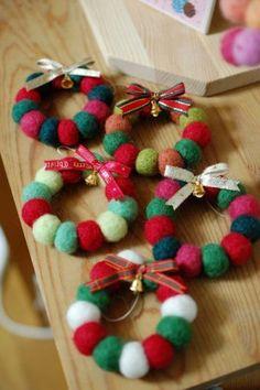 Yahoo!検索(画像)で「羊毛フェルト クリスマス」を検索すれば、欲しい答えがきっと見つかります。 Fabric Christmas Trees, Handmade Christmas Decorations, Diy Christmas Gifts, Christmas Wreaths, Christmas Ornaments, Yule Crafts, Craft Stick Crafts, Diy And Crafts, Christmas Crafts
