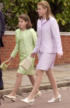 Princess Eugenie Laughs at Her Teen Fashion Choices with Beatrice in Epic Throwback Photo Duchess Of York, Duke And Duchess, Duchess Of Cambridge, Beatrice Eugenie, 90s Throwback, Sarah Ferguson, Childhood Photos, Queen Elizabeth Ii, Bridal Looks