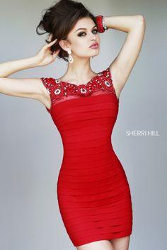 Diseño tipo bandeau en color rojo intenso
