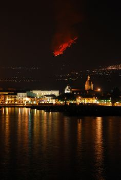 Etna Eruption Sicily - 2011 Eruzione dell'Etna, Sicilia by Giuseppe… Etna Eruption, Volcano Pictures, Verona Italy, Southern Italy, Catania, Beautiful World, Mother Nature, Scenery, Around The Worlds