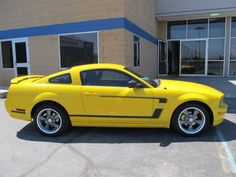 2005 Mustang. Love, love, love the color!