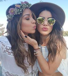 Fleurs dans les cheveux, teint radieux et paillettes sur les yeux... Le festival Coachella c'est l'occasion de faire ressortir votre âme de bohème !
