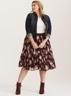 Curvy Girl Fashion Outfits, Plus sized clothing, fashion tips, plus size fall wardrobe and refashion. Fall and Autumn Fashion Outfits Trends for Plus Size. Look Plus Size, Plus Size Casual, Plus Size Style, Casual Plus Size Outfits, Plus Size Winter Outfits, Plus Size Dress Outfits, Plus Size Going Out Outfits, Plus Size Chic, Big Girl Fashion