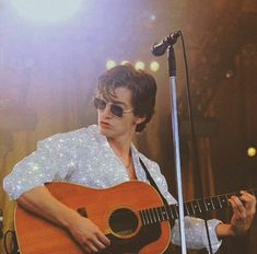 Alex Turner✨You can find Alex turner and more on our website. Arctic Monkeys, Rock And Roll, Jesse Rutherford, Monkey 3, The Last Shadow Puppets, Sheffield, Man Crush, Alexa Chung, Pretty People
