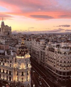 Repost from The wonderful view of Gran Vía at sunset with the astonishing sky that Madrid draws. Have you ever seen one of these orange sunsets that Madrid flaunts some days? Incredible pic taken by Madrid City, Foto Madrid, Europe Photos, Travel Photos, Travel Around The World, Around The Worlds, Travel Booking Sites, Best Sunset, Valencia Spain
