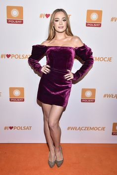 Wiktoria Gąsiewska Tv Presenters, Great Legs, Bottega Veneta, Isabel Marant, Singer, Actresses, Dance, Formal, Celebrities