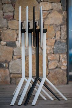 Tavola Miura ( Miura table ) http://www.idfdesign.com/bar-tables-rounded/miura-mod-9553-01.htm [ #plankdesign #outdoor #designfurniture #designicons #idfdesign #stackabletable ]
