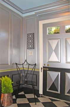 Silver vestibule with gold edging, lemon-lime trim and blue sky for a decorators show house, custom Tiara Chair by Nan Quick, metallic wall painting by Holly Alderman. Love the paint combination. Metallic Paint Walls, Silver Walls, Gold Walls, Entry Hall, Entrance, Art Decor, Decor Ideas, Home Decor, Palladian Blue