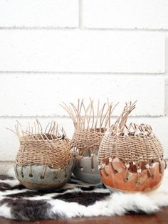 ginger baixa pot= I'd prefer a different approach to the wooden top half but concept wise: Yes. Ceramic Studio, Ceramic Clay, Ceramic Pottery, Ceramic Bowls, Ceramics Projects, Clay Projects, Kintsugi, Diy And Crafts, Arts And Crafts