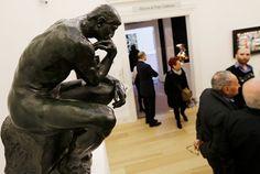 Vee bir soru da sanat dünyasından!  Yakın zamanda ABD'de bir müzayedede 15.3 milyon dolara satılan Düşünen Adam heykeli hangisine aittir?  A ) Leonard Baskin  B ) Henry Moore  C ) Auguste Rodin  D ) Nir Alon  Ödüllü yarışmalarımıza hemen katılmak için: www.mrmaana.com  ücretsiz üyelik, sınırsız yarışma hakkı