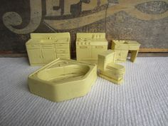 Vintage 1950s 1960s Marx Dollhouse Furniture Bathroom Kitchen Yellow by corrnucopia on Etsy