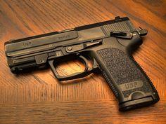 Heckler & Koch USP Compact Pistol 9mm (HK Pistols). HK USP Compact, caliber 9mm x 19