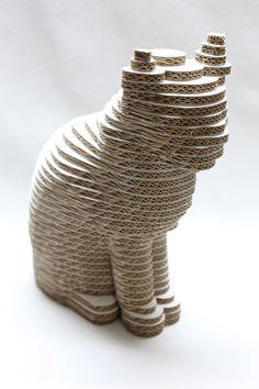 Figuras en 3D gato de cartón decoración y rascador de Cartonlab.