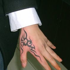 Hand tattoos for men will make you have wow appearance. If you choose the right hand tattoo designs, you will be able to reveal your true self. Tribal Tattoo Designs, Tribal Hand Tattoos, Mandala Hand Tattoos, Simple Hand Tattoos, Simple Tattoo Designs, Hand Tattoos For Guys, Tattoo Designs And Meanings, Best Tattoo Designs, Finger Tattoos