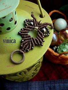 vinica / Baykuş 1. - pendant - micromacrame