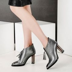 Amazing Pointed Toe High Heels Ankle Boots In Silver Leather