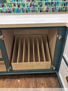 diy kitchen DIY Pull-Out Slotted Drawer For Cookie Sheets, Pizza Pans, Cutting Boards, Etc. Kitchen Drawer Organization, Diy Kitchen Storage, Kitchen Drawers, Kitchen Redo, Kitchen Pantry, New Kitchen, Kitchen Cabinets, 10x10 Kitchen, Kitchen Drawer Pulls