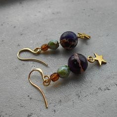 Arabian Collection - Nazahah - beautiful gold plated Arabic earrings with purple jasper beads and gold stars