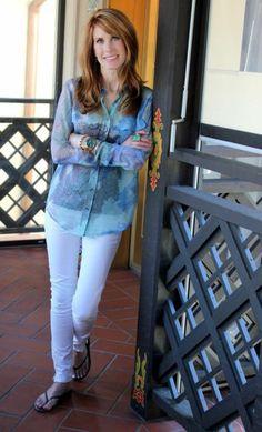 BEAUTIFUL BLUES AND WHITE Good Monday Morning, White Jeans, Blues, Blue And White, Pants, Beautiful, Fashion, Trouser Pants, Moda