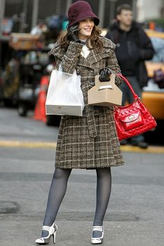 Ways to Wear a Winter hat With Style (2) (Leighton Meester)