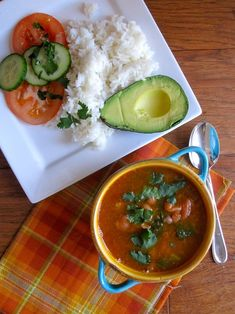 Frijoles con Coles (Bean Soup with Collard Greens) plantain n avocado- beans in pressure cooker takes My Colombian Recipes, Colombian Cuisine, Colombian Dishes, No Dairy Recipes, Soup Recipes, Beans Recipes, Vegetarian Recipes, Red Bean Soup, Collard Greens Recipe