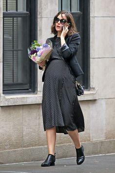 Pregnant Rose Byrne (1200×1800)