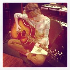 Taylor Swift Is Back In The Studio