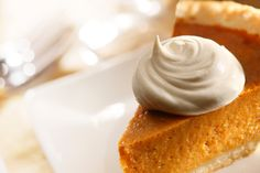 Treat your Thanksgiving guests to a classic pumpkin pie recipe topped with a sweet maple whipped cream. Gluten Free Pumpkin Pie, Homemade Pumpkin Pie, Pumpkin Pie Recipes, Vanilla Whipped Cream, Homemade Whipped Cream, Pumpkin Chiffon Pie, Classic Pumpkin Pie Recipe, Pumpkin Pie From Scratch, Coconut Oatmeal