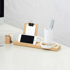 Minimalist Desk Assistant - Ceramic & Wood   dotandbo.com