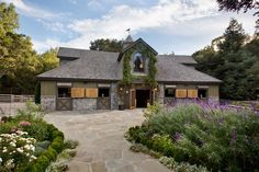 Beautiful barn on luxury equestrian property