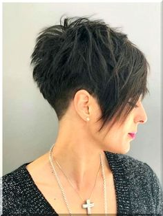Short Hair With Layers, Short Hair Cuts For Women, Short Hairstyles For Women, Oval Face Short Hair, Pixie Hairstyles, Cool Hairstyles, Pixie Cut Blond, Pixie Cuts, Short Pixie