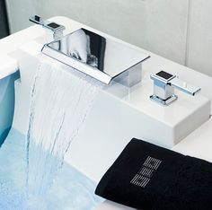 Modern Bathroom Faucet Design W Waterfall Effect Faucets