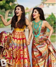 When you have Banarasi silk lehenga, you don't need too much else! And these latest Banarasi lehenga designs are going to prove just that! Indian Wedding Outfits, Bridal Outfits, Indian Outfits, Wedding Dresses, Indian Weddings, Banarasi Lehenga, Anarkali, Indian Attire, Indian Ethnic Wear