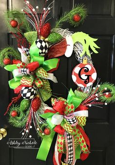 Looove Looove Looove This Grinch wreath! I already have a Grinch canvas and the Grinch Christmas Tree! I'm deff going with this theme this Christmas. Elf Christmas Decorations, Grinch Christmas Party, Merry Christmas, Holiday Wreaths, Winter Christmas, Christmas Crafts, Christmas Ornaments, Elegant Christmas, Christmas Vacation