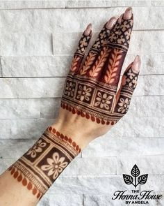 Hi everyone , welcome to worlds best mehndi and fashion channel Zainy Art . Hope You guys are liking my daily update of Mehndi Designs for Hands & Legs Nail . Floral Henna Designs, Simple Arabic Mehndi Designs, Back Hand Mehndi Designs, Legs Mehndi Design, Mehndi Designs Book, Latest Bridal Mehndi Designs, Mehndi Designs 2018, Mehndi Designs For Beginners, Mehndi Design Photos