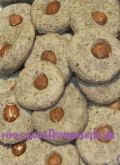 Zimt-Haselnuss-Kekse Zimt-Haselnuss-Kekse ganz ohne Mehl oder Fett vegetarisch laktosefrei glutenfrei
