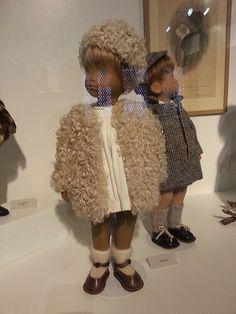 Dollsgardens: KINDER AUS ALLER WELT Sasha Doll, Museum, Beautiful Dolls, Doll Clothes, Fur Coat, Daughter, Doll Outfits, Studio, Presentation