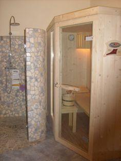 Sauna su misura by Emoplast  http://www.emoplastsaune.com/saune-finlandesi/saune-su-misura/