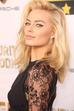 "Margot Robbie - Oscars 2014- Phenomenal actress! And she's only 25!!! Already starring in big blockbuster hits such as ""The Wolf of Wall Street!"""
