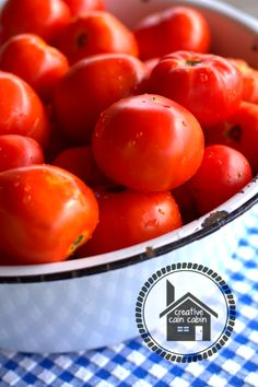 Oven Canned Crushed Tomatoes - this is an awesome way to can tomatoes!