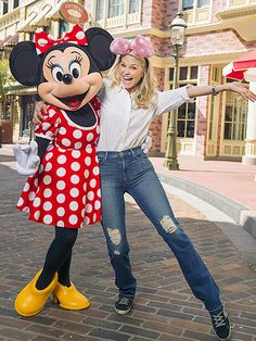 Star Tracks: Wednesday, March 16, 2016 | DISNEY DARLINGS | So cute! Christie Brinkley strikes a pose with Minnie Mouse while visiting Disney World on Tuesday.