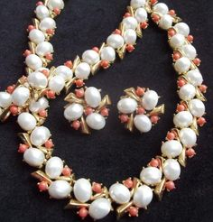 TRIFARI Vintage Necklace Bracelet Earrings Creamy Pearls Coral Beads #Trifari