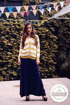 Suéter mostaza de lineas verticales+ Falda maxi azul!   Pedidos por medio de inbox o al 47620153/42120798!!